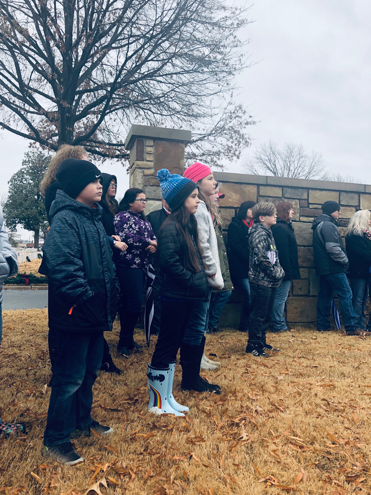 Elementary GT attend National Cemetery Christmas Honors